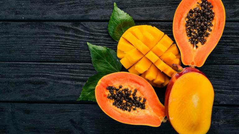 frutta esotica, mango e papaya